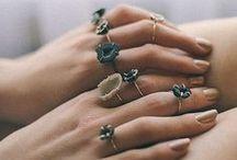 Bijoux - Jewelry / Toute ma sélection de colliers, bagues, boucles d'oreilles... Pour s'inspirer et pour faire du shopping !