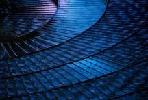 colour ::: blue