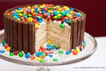 My Hobby I Love: Decorating Cakes / Need help decorating cakes I'm the girl for ya  / by Amber Heimeyer