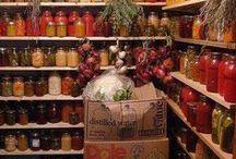 Pantry / Pantry and food storage ideas.