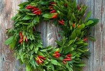 Christmas Flowers & Wreaths / Christmas Flowers & Wreaths | British | Green | Eco | Local | Seasonal