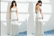 Destination & Beach Wedding Dresses / We're loving these new and used destination wedding dresses with their flowing silhouettes, easy style and lightweight fabrics, perfect for a beach wedding!