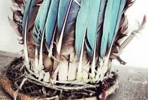 Feather on. / You must be free, be light and like a feather take flight.