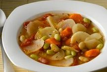 Meatless Meals / Vegetarian recipes to help you decide on your next meatless Monday meal!