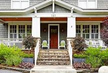 Fabulous Curb Appeal Ideas / There's no denying what focusing on your curb appeal can do for your home - and neighborhood! From front porch ideas to porch landscaping and more, find lots of ways to boost your home's curb appeal power here. #frontporchideas #curbappeal #frontporchdecorating
