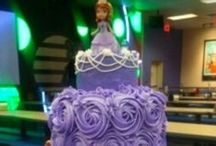 Cake Ideas / by Jillian Affleck-Gorrill