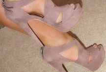 Beautiful Shoes / by Priscilla Postigo