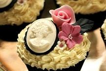 Cakes & Cupcakes / by Diana Freeman