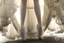 En Pointe / I love the beauty of the ballet and the ballerinas en pointe.  Although I studied ballet, and en pointe, I was never confident enough in the art to excel at it.
