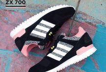 Sneakers: adidas ZX 700