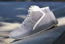 Sneakers: New Balance 988