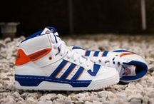 Sneakers: adidas Rivalry