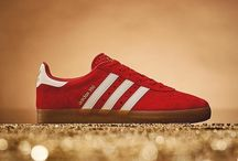Sneakers: adidas 350 / Pulled out of the adi archives in 2016 by Gary Aspen for the SPZL range and now on general release in a range fabrics and colourways. The 350 is based on the AS 350 which was a rare model made under license for the Japanese market.
