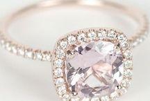 Wedding Rings/Jewelry / by Midori Dobson
