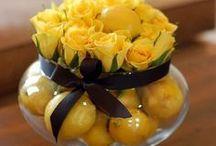 Floral Arrangements / Beautiful floral arrangements that you can do yourself.