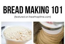 Food: Breads & Muffins / by Georgia Peach