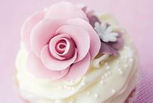 Cupcakes / by Cindy Guerrero