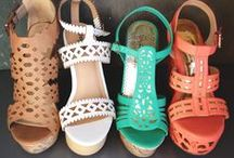 Shoes / Shoe style  / by Malarie Pitt