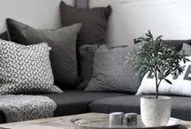 Thuis / Onze woonstijl. Een mix van vintage, industrieel en botanisch.