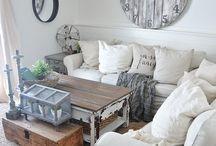 LIVING ROOM INSPIRATION / Living Room Décor