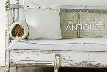 VINTAGE OBSESSION / The best vintage decor on Pinterest. All things antique, rusted, chippy and full of charm.