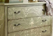 Painted Furniture / by G. Roozen