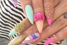 Beautiful - Nails / by Kristi