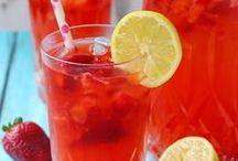 Drink Recipes / Always good to have recipes for drinks on hand. / by Tia's Kitchen Recipes
