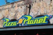 Disney World Food & Restaurants / by Nicolle Bryant