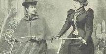 Victorians in motion. Victorianos en movimiento. / Victorian and Edwardian bikes and cars. Bicicletas y coches victorianos y eduardianos.