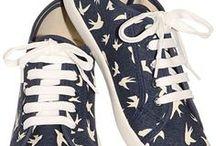 shoe <3 / by Amie Simon