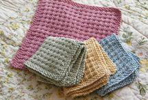 Knit Along / by Cresanna Kahrl