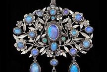 Jewelry / A collection of beautiful jewelry