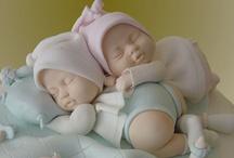 Gâteaux baby shower / Envie de faire une baby shower pour l'arrivée de votre bébé ? Inspirez-vous avec notre sélection de gâteaux, cupcakes, biscuits...