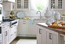 KITCHENS / by Lauri Creese