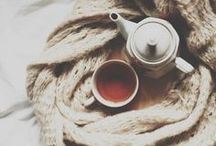 Winter / Inspiration | Winter | Christmas | Cold | Fireplace | Coffee | Hot Chocolate | Cozy Blankets | Warm | Knitwear | Snow | Holidays | White | Nature | Inside | Candlelight