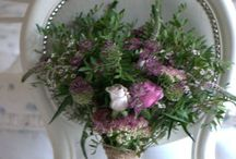 Rustic vintage wedding flowers  / Rustic wedding bouquets and guest table decor for your natural wedding day.