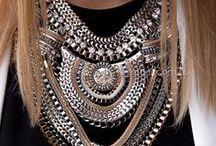 Statement necklace {LOVE} / I <3 statement necklaces! http://whiteblack-amorwanilja.blogspot.fi/
