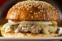 Between two buns / The quest for the perfect burger is on! Eat your way though the best burgers Australia has to offer