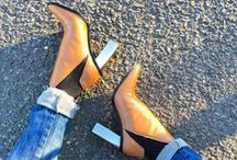 Shoes / Give a girl the right shoes and she can conquer the world   Marilyn Monroe