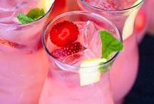 pretty drinks / by Cynthia Barnwell