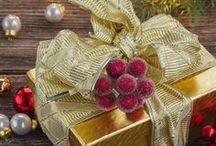 Holiday Gift Ideas / Unique travel & food Christmas gift ideas, birthday gift ideas, and assorted holiday gift ideas good throughout the year. Lots of DIY projects, gift guides, gifts for foodies + gifts for travelers.