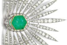 Vintage Jewels / by Marte Frisnes Jewellery
