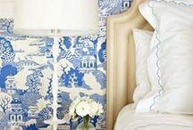 color: blue & white