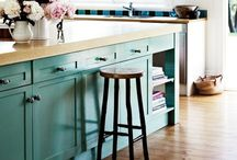 Kitchens! / Kitchens: Hate to cook, Love to eat, Absolutely love it's design! / by Ashlyn Huffman
