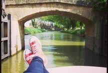 Le Canal du Midi en bateau / Le canal du midi est une destination de vacances parfaite pour les débutants en navigation fluviale !  A découvrir absolument pendant la croisière: Carcasonne, Castelnaudary, Narbonne, l'escalier d'écluses de Fonsérannes, la jolie campagne du Languedoc...