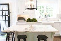 White Kitchens / by Susanne Permezel