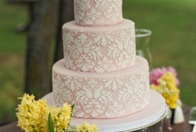 Beautifully Decorated Cakes / Who knew cake could turn into such a work of art? / by Harvard Common Press