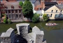 La Belgique en bateau / Célèbre pour ses chocolats et sa dentelle, la Belgique est aussi réputée des plaisanciers ! Louez un beau sans permis et partez à la découverte de la région autour de Nieupoort et Gent...