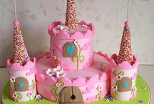 Children's Party Cakes / by Melanie